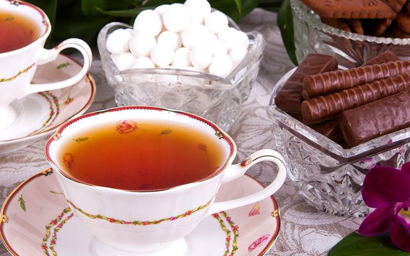 High Tea with flowers and tea repositioning Royal