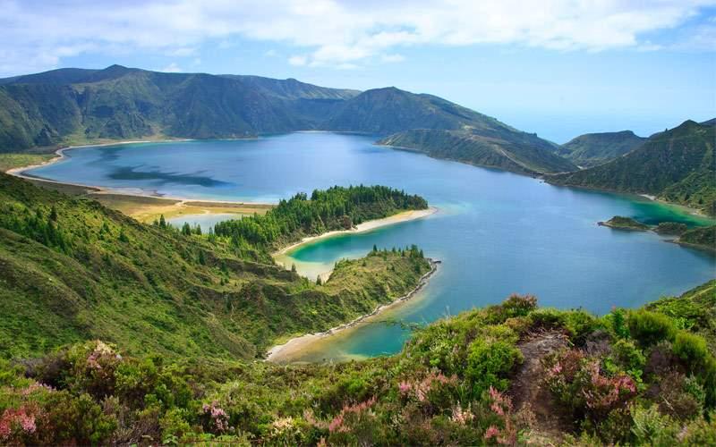 Agoa do Fogo a volcanic lake in Sao Miguel Azores