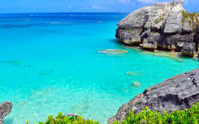 Beautiful Bermuda beach and rocks