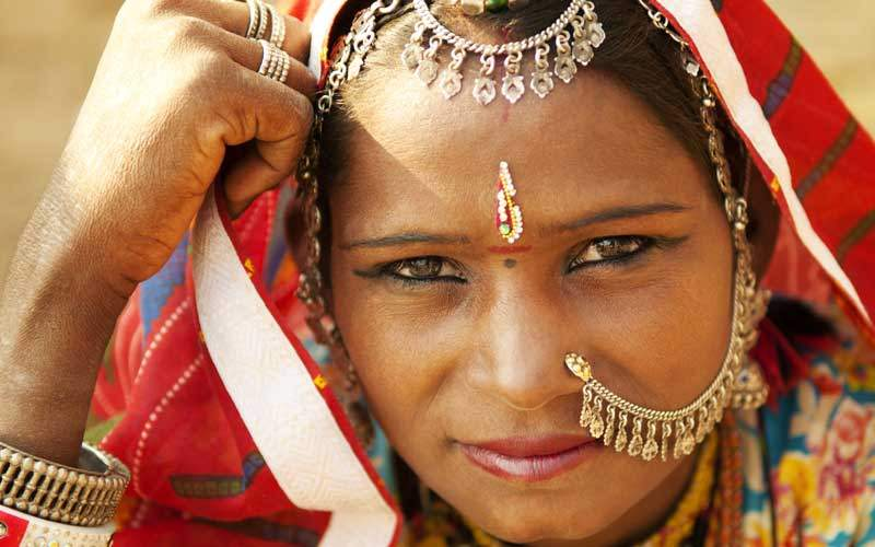Beautiful Indian woman, Rajasthan, India Cruises