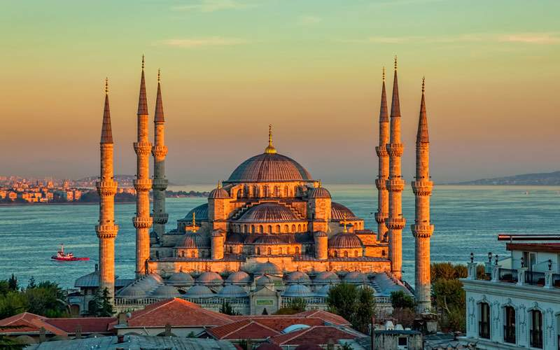 Blue Mosque in glorious sunset Istanbul Sultanahme