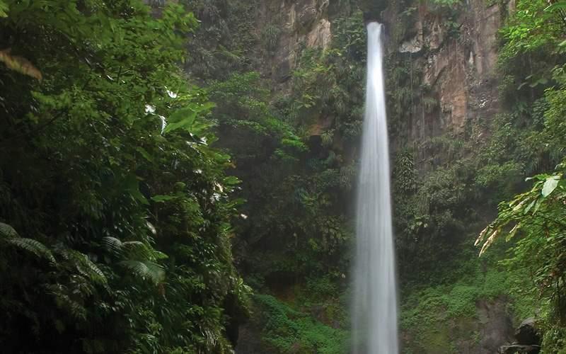 Sari Sari waterfall in Dominica Carnival Cruises