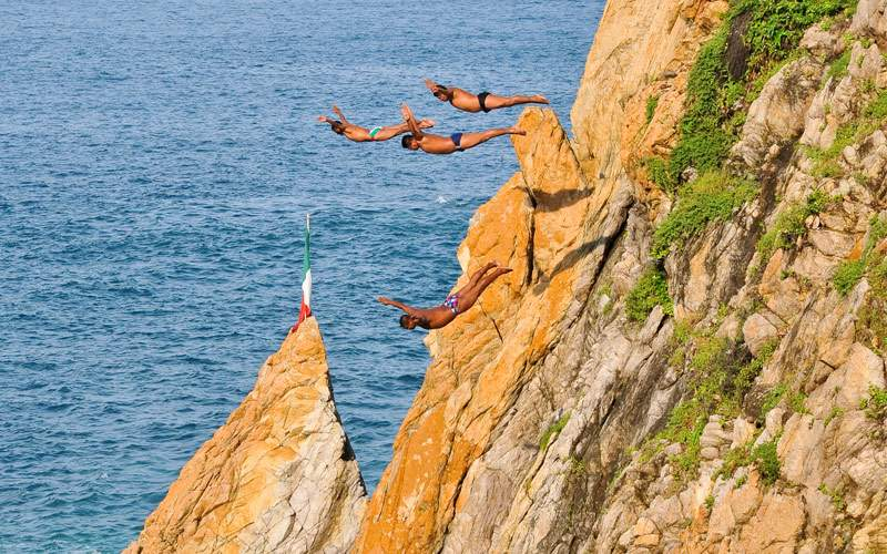 Cliff divers Mexico