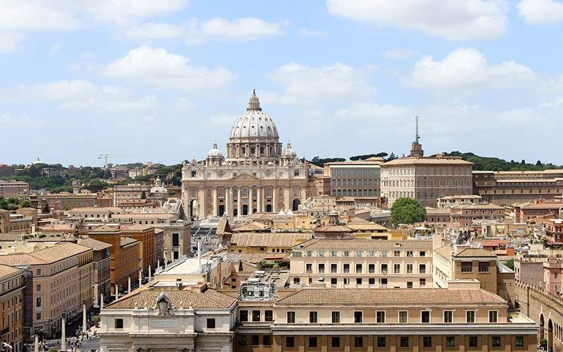 Explore the icons of Rome and Vatican City