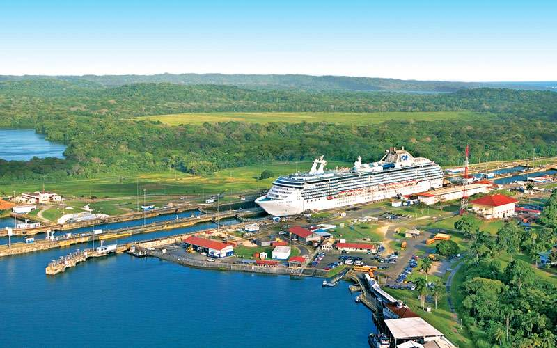 Princess Cruises leaving Panama Canal