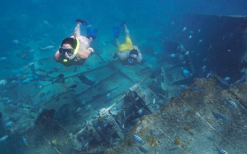 Couple snorkeling St. Maarten