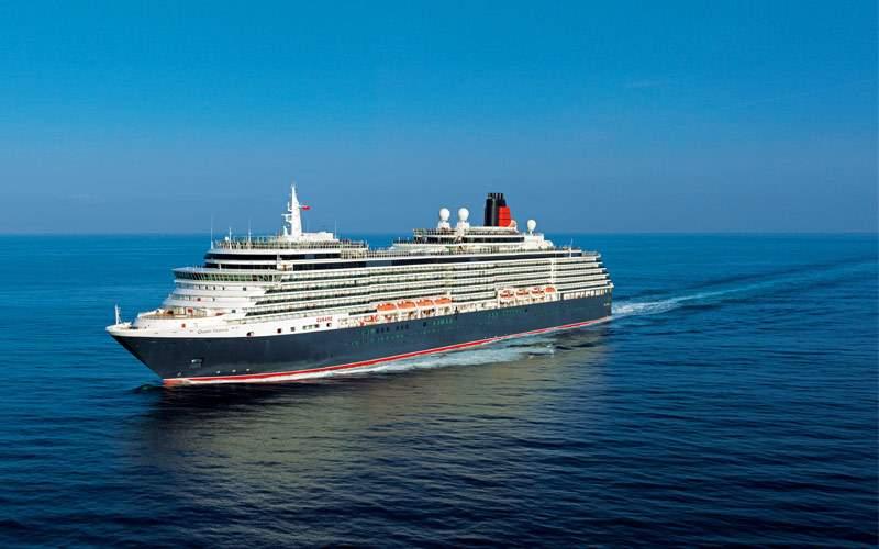 Cunard liner at sea