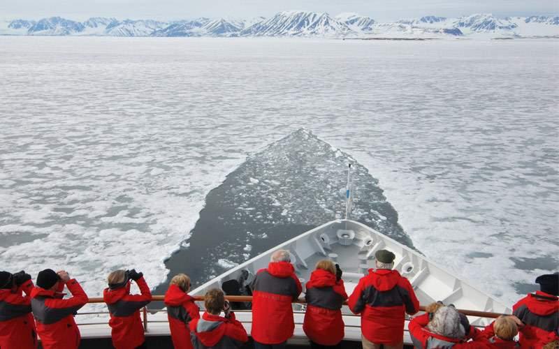 Silversea Explorer breaking ice