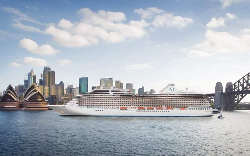 Oceania cruising through Sydney, Australia
