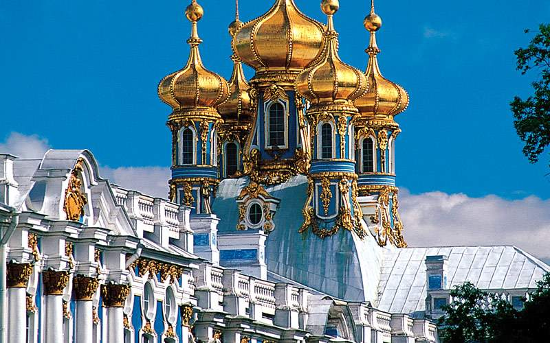 See the sites of St. Petersburg, Russia