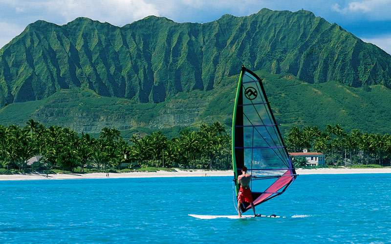 Windsurfing in Oahu Kailua Bay
