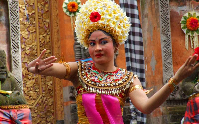 Norwegian Balinese Dancing