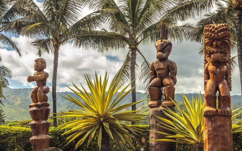 Norwegian Hawaii Cruisetours Tiki carvings Oahu