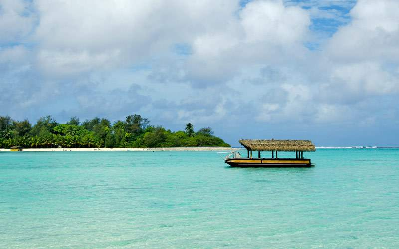 Muri Lagoon in Rarotonga Cook Islands Regent Seven