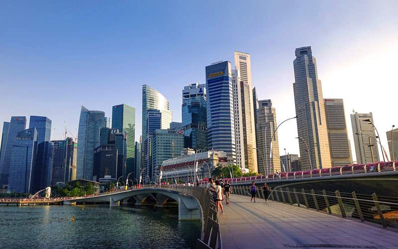 Explore the modern city of Singapore