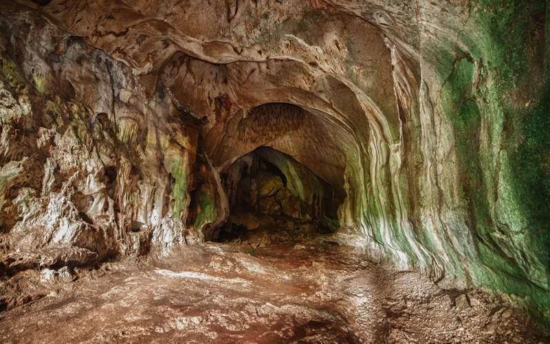 Windstar Cruises Bama Cave Malaysia