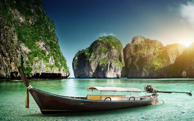 Windstar Cruises Boat Maya Bay Phi Phi Island