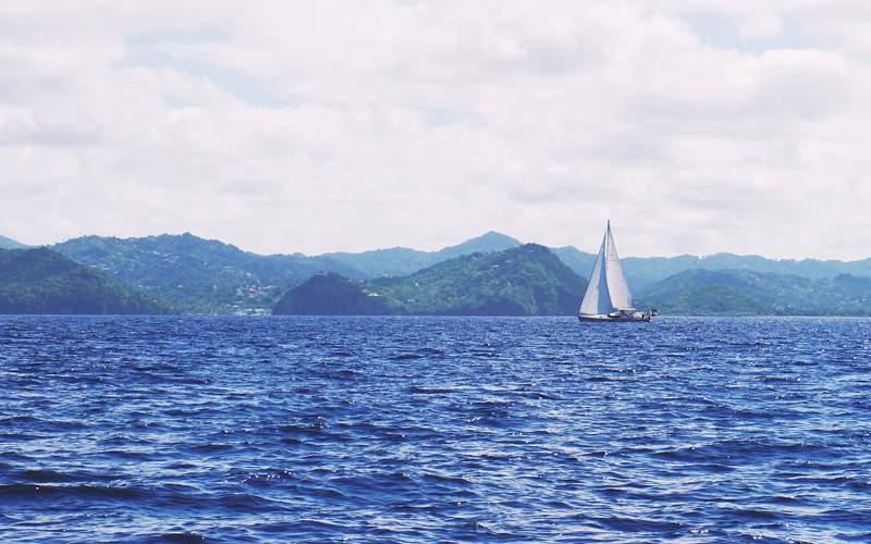 Sailing in the Caribbean - Windstar Cruises
