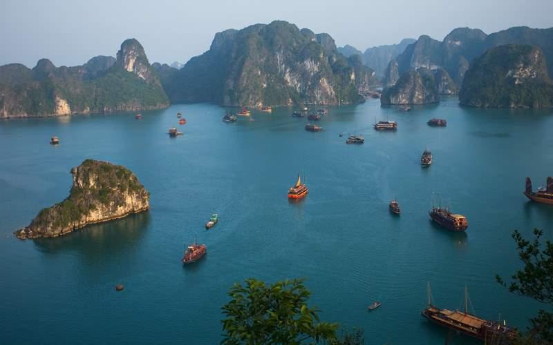 Windstar Cruises Halong Bay, Vietnam