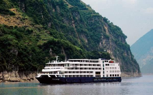 Uniworld River Cruises-Sanctuary Yangzi Explorer
