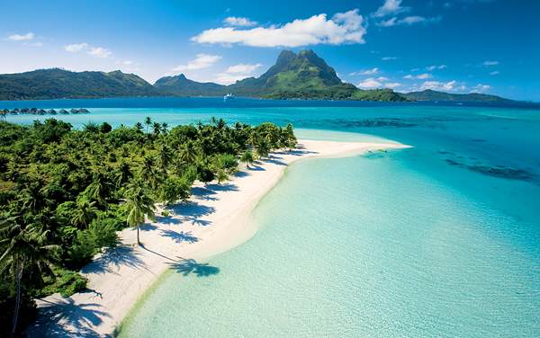 Paul Gauguin Cruises-South Pacific / Tahiti