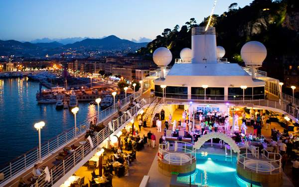 Azamara Club Cruises-Entertainment