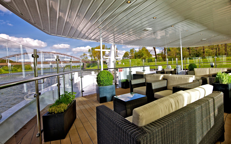 Avalon Waterways Avalon Vista observation Lounge