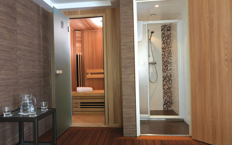 Bathroom on the AmaDante