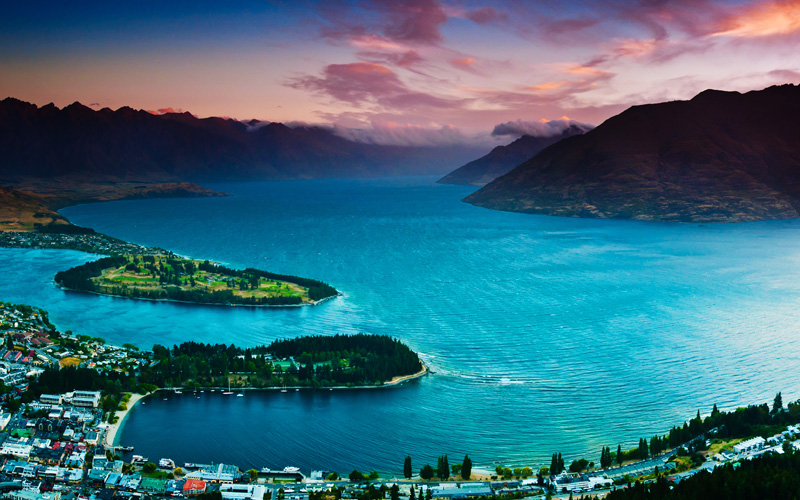 Queenstown with lake Wakatipu, New Zealand