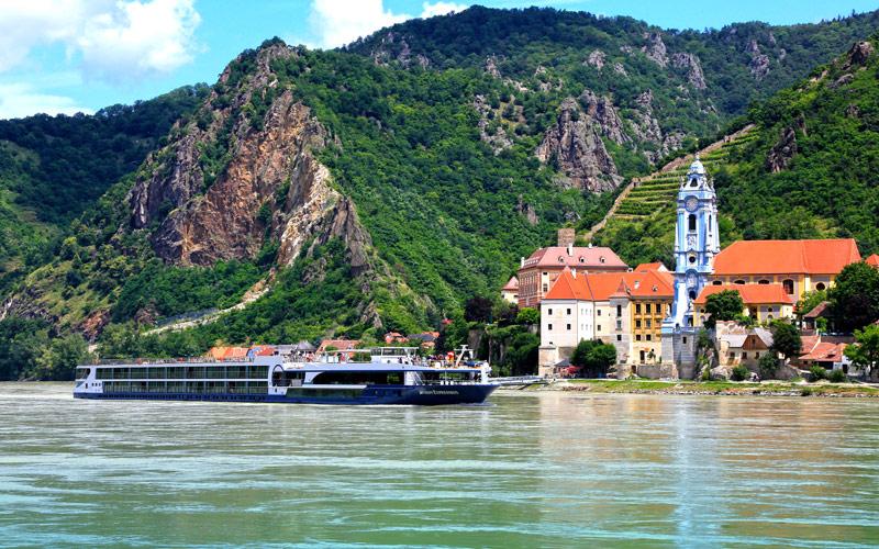Avalon Expression sailing the Danube in Austria