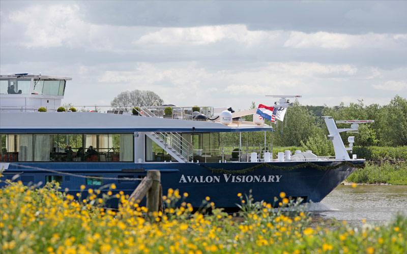 Avalon Visionary ship exterior