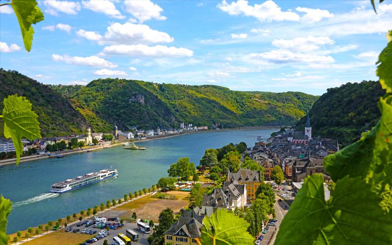 Avalon Visionary sailing the Rhine