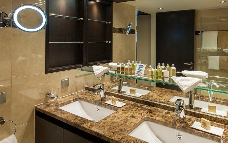 Avalon Passion Royal Suite Bathroom