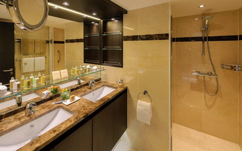 Royal Suite Bathroom aboard Avalon Envision