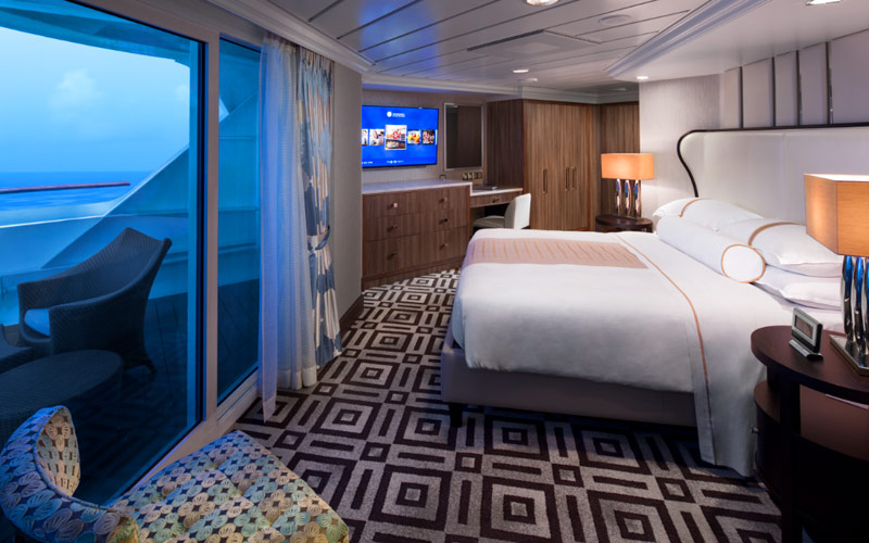 Club World Owner Suite aboard Azamara Pursuit