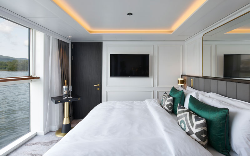 Crystal Bach suite bedroom