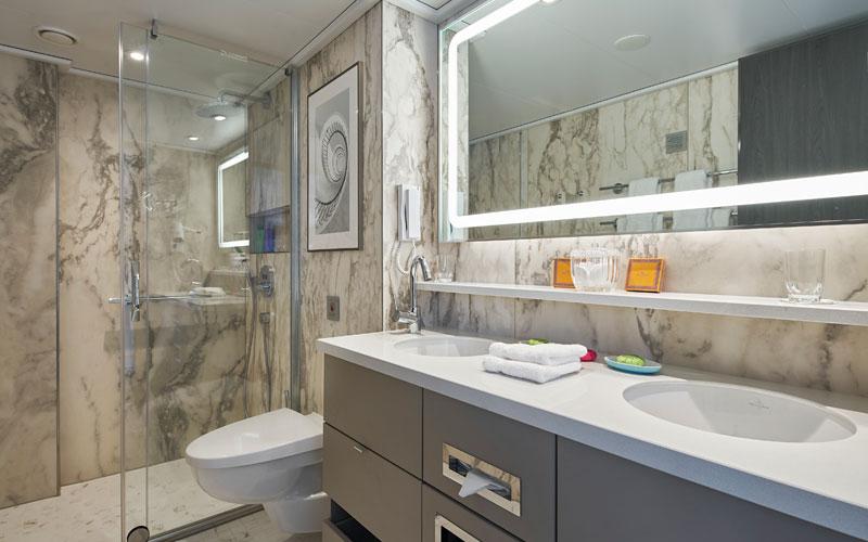 Crystal Debussy suite bathroom