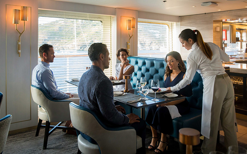 Couples enjoying dinner on Crystal Esprit