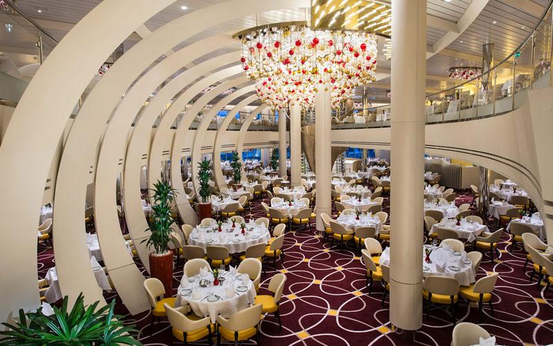 Dining room aboard Nieuw Statendam
