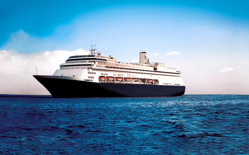 Holland Americas ms Volendam Cruise Ship 2017 and 2018  : holland america line volendam exterior 01 gallery from cruiseweb.com size 800 x 500 jpeg 121kB
