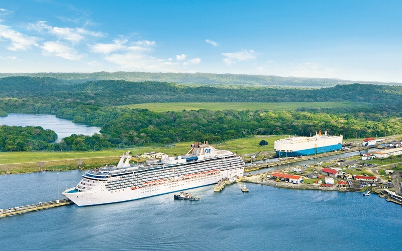Princess Cruises exits the Panama Canal