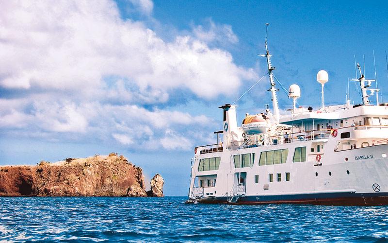 Avalon IsabellaII cruises through the Galapagos