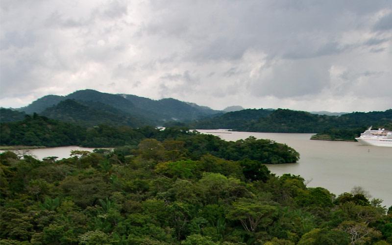 Carnival Paradise cruises into the Panama Canal