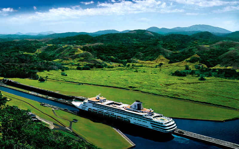 Holland America ship enters the Panama Canal