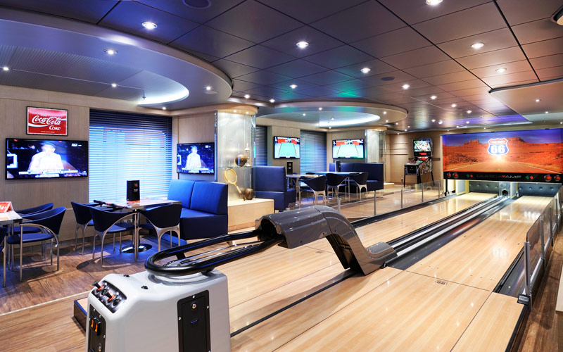 MSC Cruises MSC Prezoisa sports and bowling diner