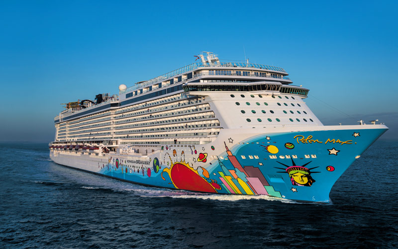 Norwegian Breakaway Cruise Ship 2017 And 2018 NCL
