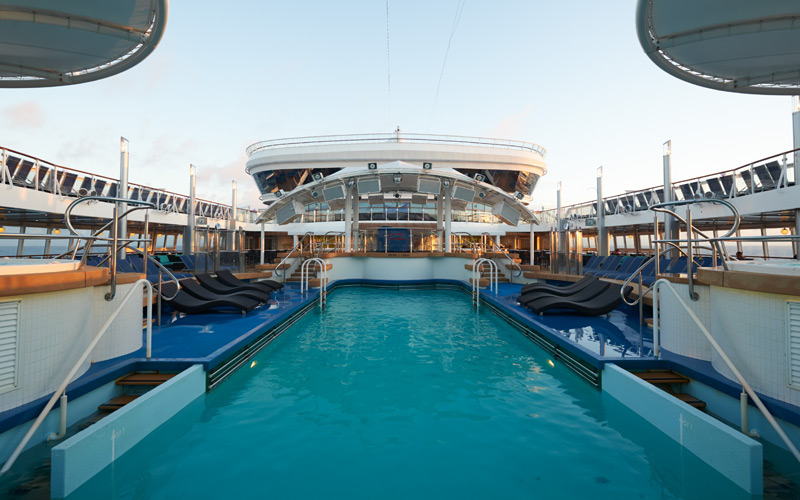 Norwegian Cruise Line Dawn pool deck