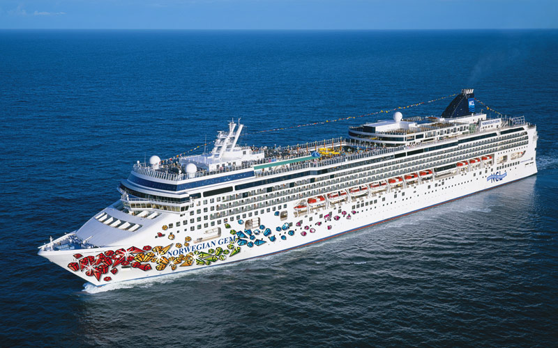 Norwegian Cruise Line Gem exterior