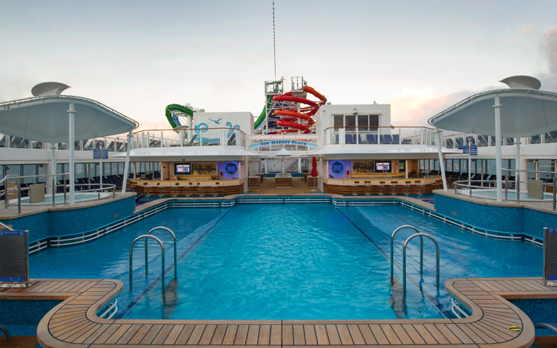 Norwegian Cruise Line Getaway waves pool bar