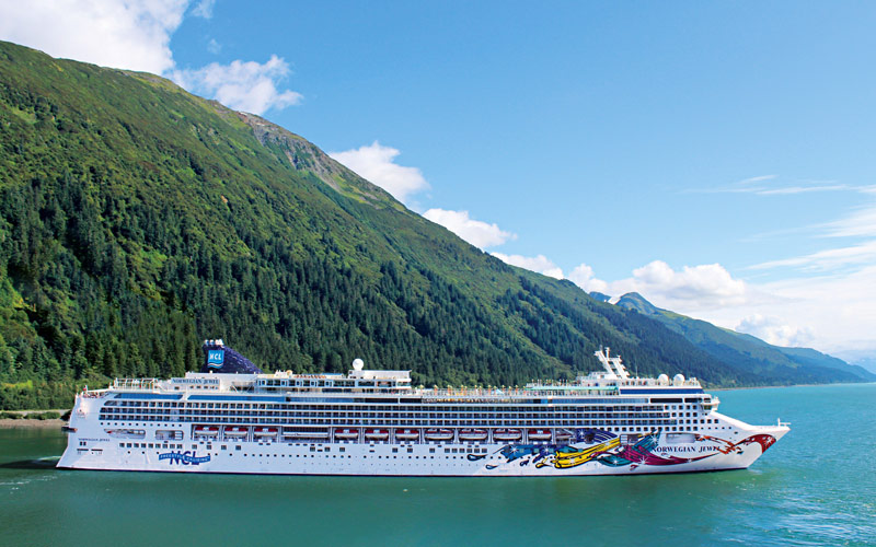 Norwegian Cruise Line Jewel exterior